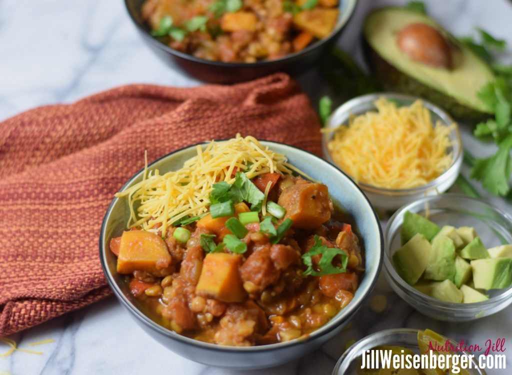 lentil and sweet potato chili with toppings