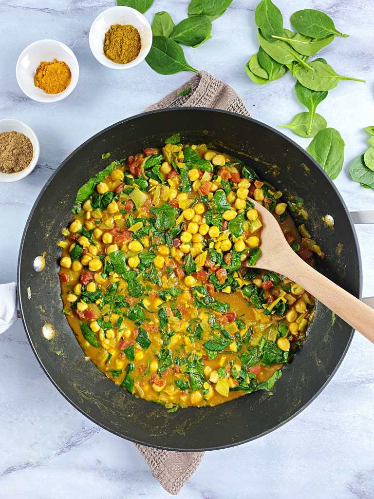 Spinach and Chickpea Curry as part of healthy bean recipes roundup
